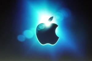 Apple вошла в десятку компаний мира
